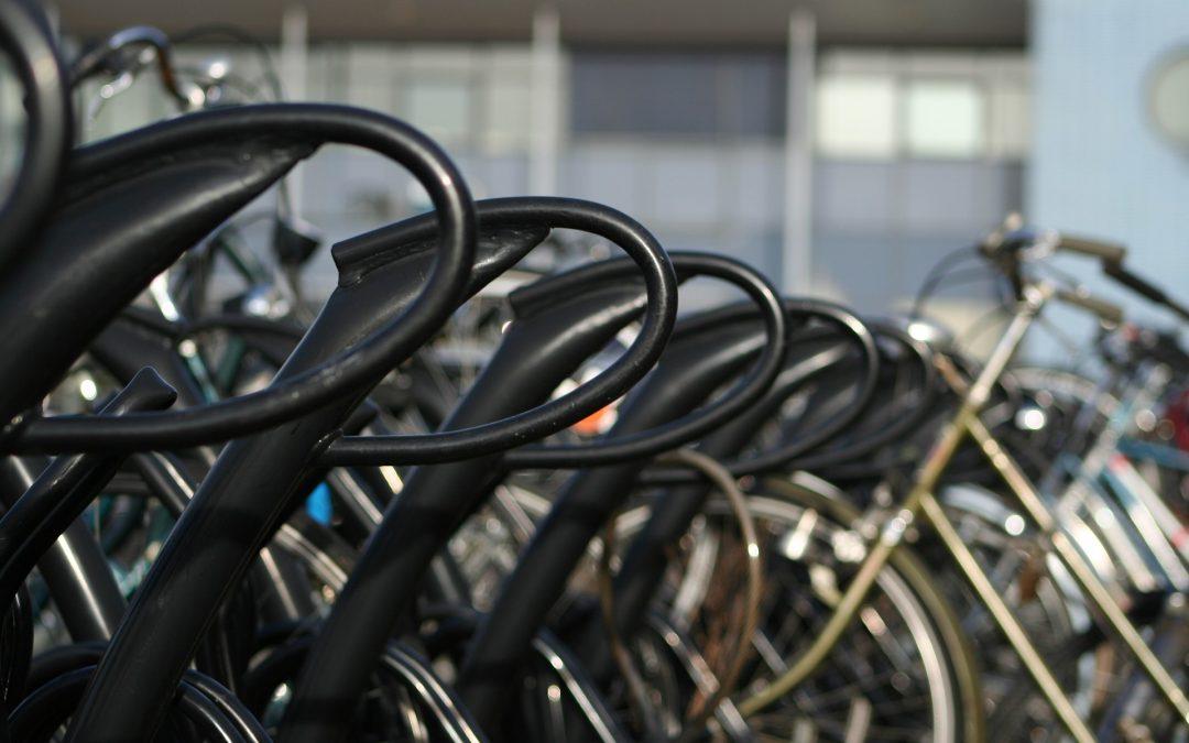 Comment bien attacher son vélo en ville ?