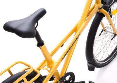 vélo jaune ville